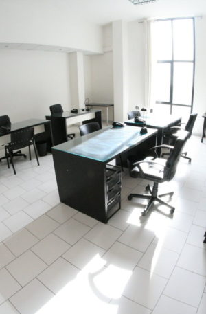 Naples rent flexible space including parking spaces