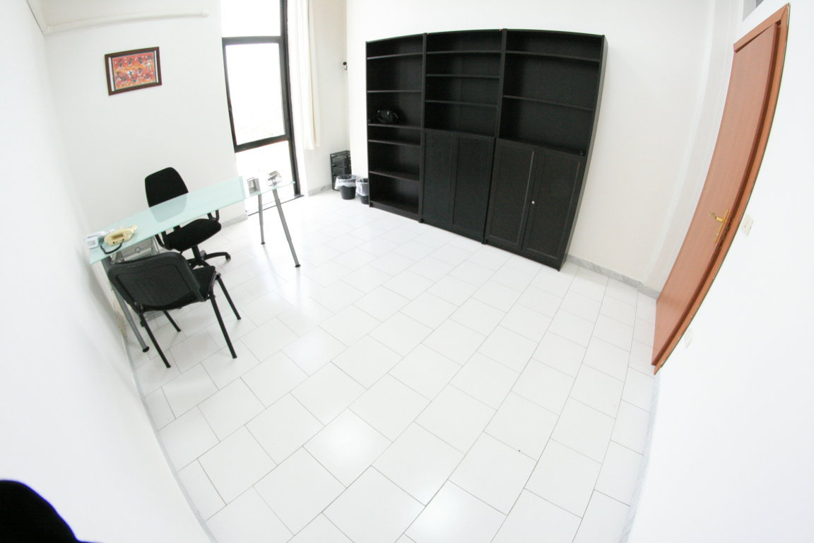 Commercial properties office to rent Naples